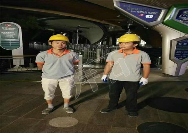 上海迪士尼砾石聚合物样板铺装工程