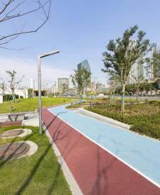 宁波鄞州政府地铁站透水混凝土项目